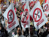 SPANIARDS PROTEST LABOR REFORMS