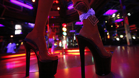 Organized Labor's Newest Heroes: Strippers     Strippers Strip Employers Bare:   Win Unprecedented $13 Million Settlement