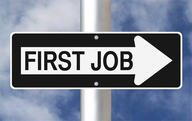 Top-10-Lessons-for-landing-your-first-job-small