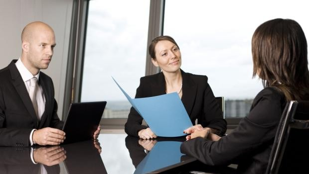 Admitting Your Weaknesses, Dressing for Interviews, and More Interview Questions Answered