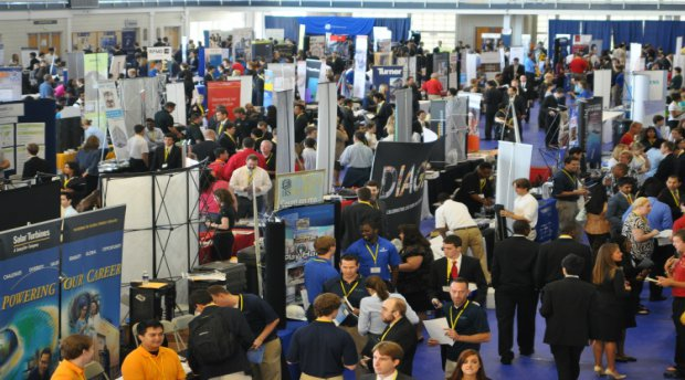 How to Stand Out at a Career Fair