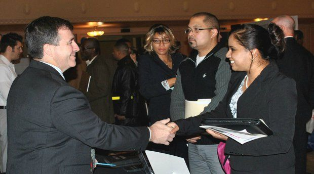 Five Things to Avoid Doing at Career Fairs