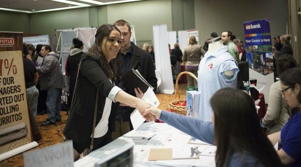 8 Tips to Help You Prepare for a Career Fair in the New Year